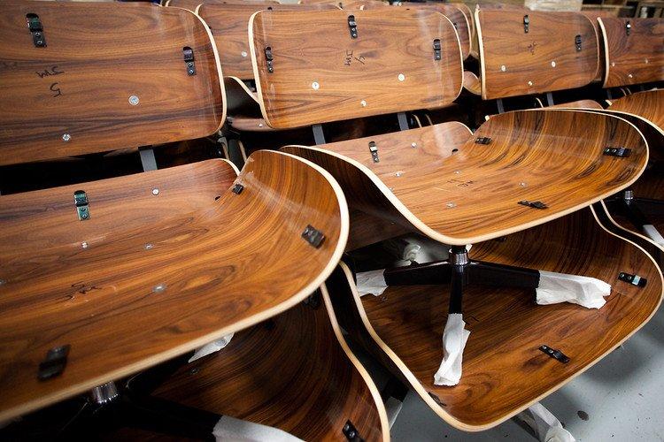 Assentos e encostos de madeiras moldada com seus pares perfeitos